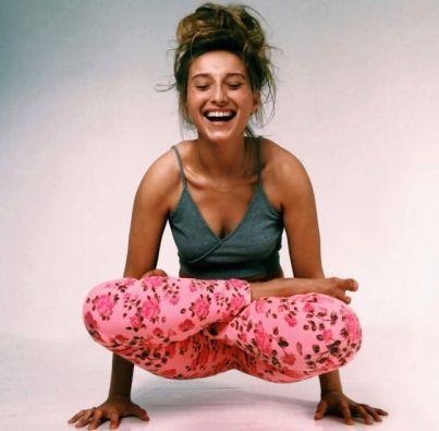 yoga lach