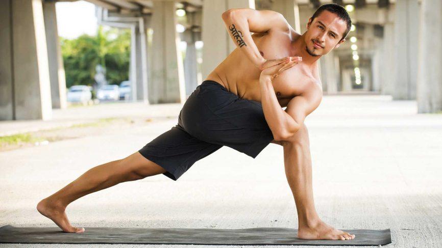 Yoga-man-workout-fitness-866x487