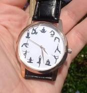 yoga horloge in hand