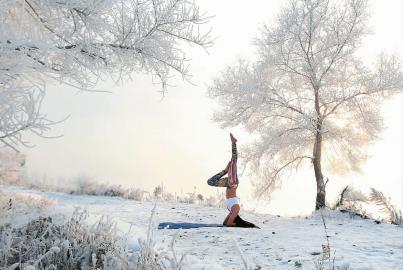 yoga sneeuw